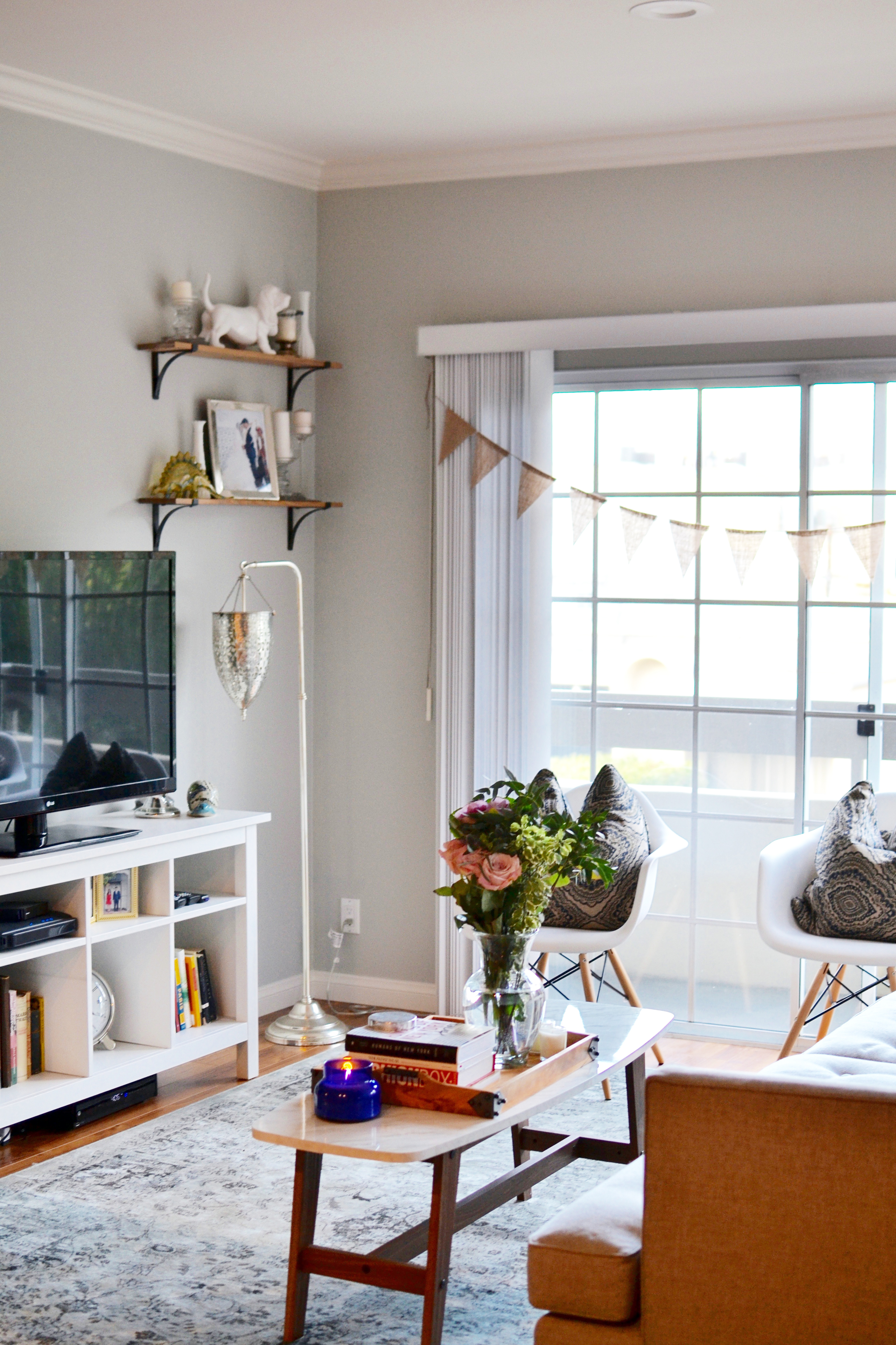 1000 ideas about living room tv on tvs tv decorative for Things in a living room